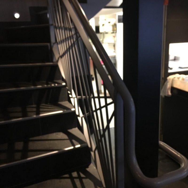 escalier restaurant courbevoie